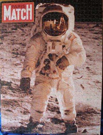 puzzle 1er pas sur la lune Buzz11