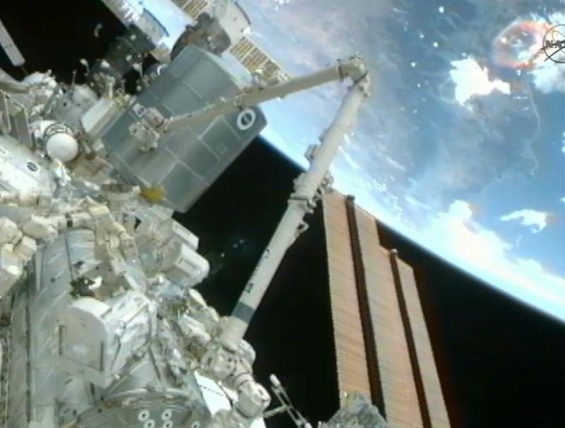 [STS-133] Discovery: Déroulement de la mission. - Page 5 Image129