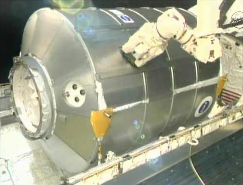 [STS-133] Discovery: Déroulement de la mission. - Page 5 Image310