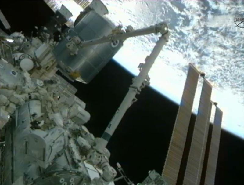[STS-133] Discovery: Déroulement de la mission. - Page 5 Image810