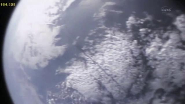 [STS-133]Discovery: fil dédié au suivi du lancement prévu le 24.02.2011 - Page 10 Panach10