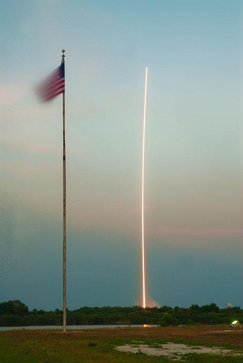 lancement Atlas V et retour sur terre X-37B (22/04/2010-03/12/2010) - Page 8 Streak10