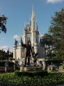 Magic Kingdom - Walt Disney World  - Page 2 A01-0111