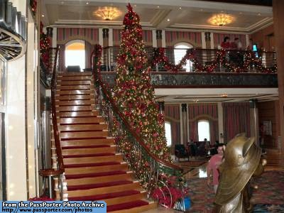 Disney Cruise Line,  Les Croisières  Disney Atrium10