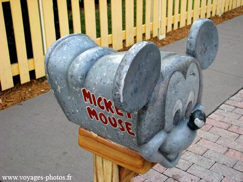 Magic Kingdom - Walt Disney World  Boite-10