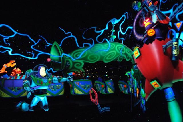 Magic Kingdom - Walt Disney World  - Page 2 Buzzli10