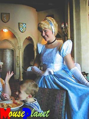 Magic Kingdom - Walt Disney World  - Page 2 Cinder21