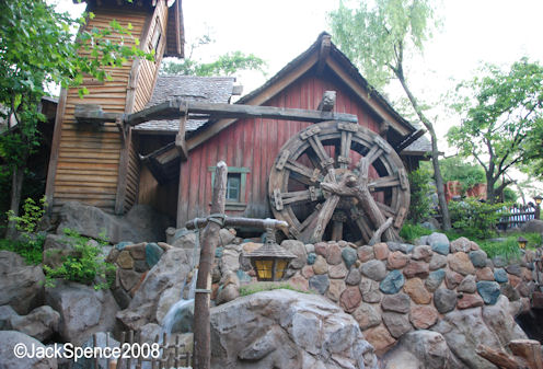 Magic Kingdom - Walt Disney World  - Page 2 Critte12
