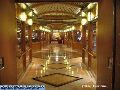 Disney Cruise Line,  Les Croisières  Disney Dclwon13