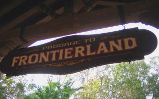 Magic Kingdom - Walt Disney World  Fronti13