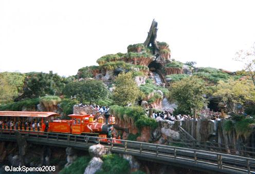 Magic Kingdom - Walt Disney World  Splash11