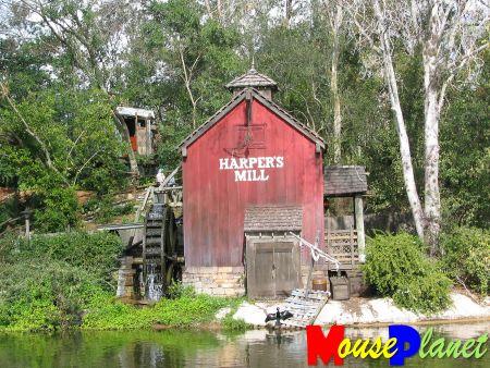 Magic Kingdom - Walt Disney World  Tsi_ha10