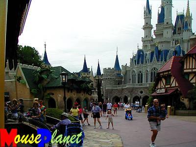 Magic Kingdom - Walt Disney World  - Page 2 View_t11