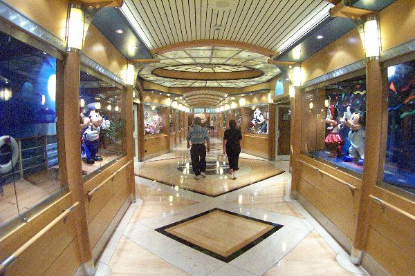 Disney Cruise Line,  Les Croisières  Disney Wonder13