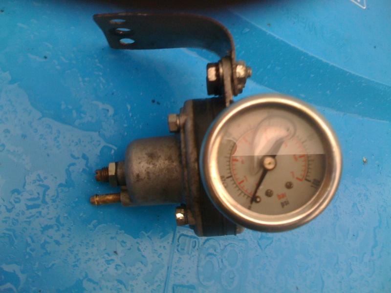 adjustable fuel pressure regulator with gauge Img_0912