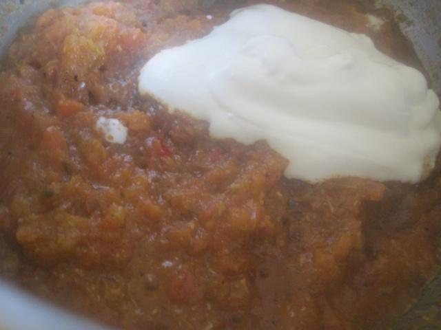 Sauce rosée à la crème sure pour accompagner Seffa Marocaine Madfouna à  base de poulet ou fruits de mer Sauce210