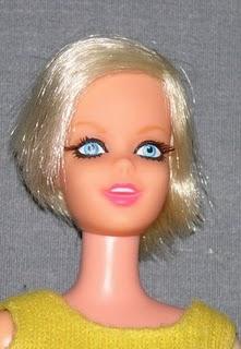Francie, la cousine Mod de Barbie 10010