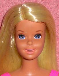 Francie, la cousine Mod de Barbie Franci10