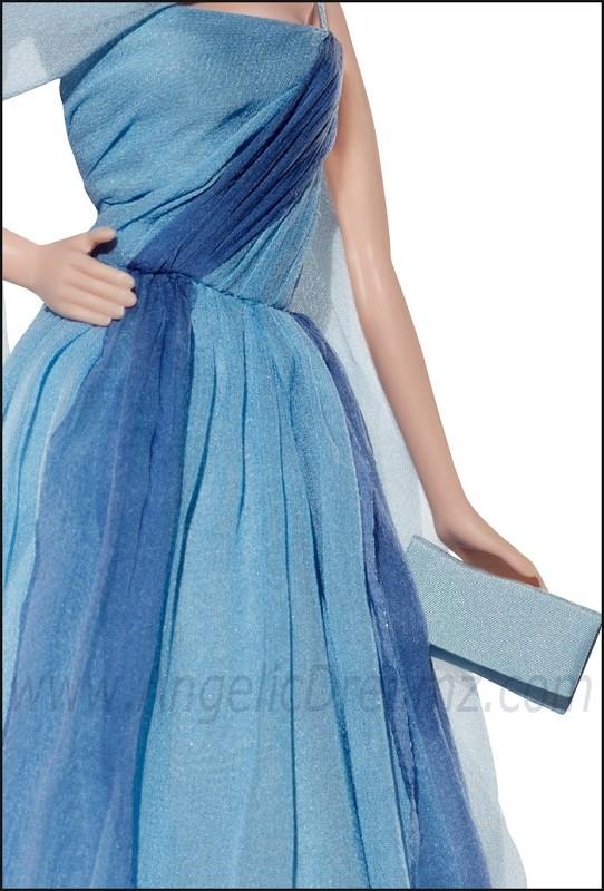 Barbie :Grâce T7903-10