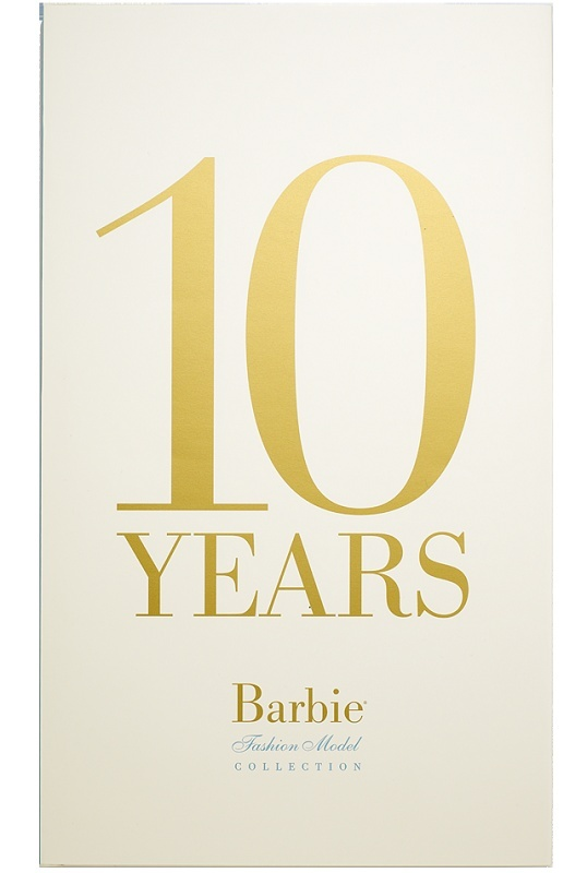10 Years: Barbie® Fashion Model Collection Book V953110