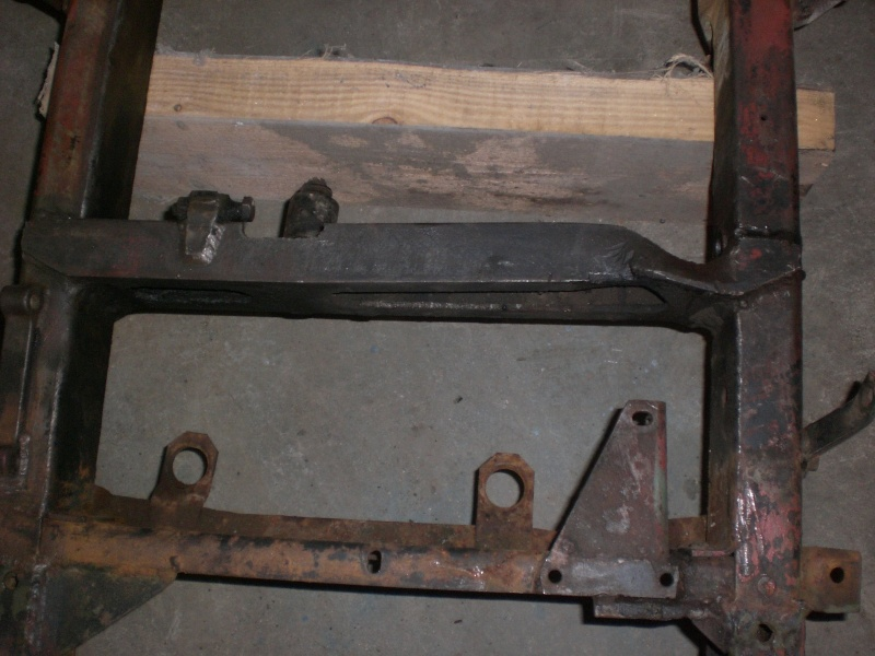 traverse support moteur 411 Cimg0919