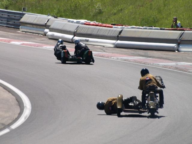 PHOTOS DES COUPES MOTO LEGENDE 2009 - Page 2 P5303912