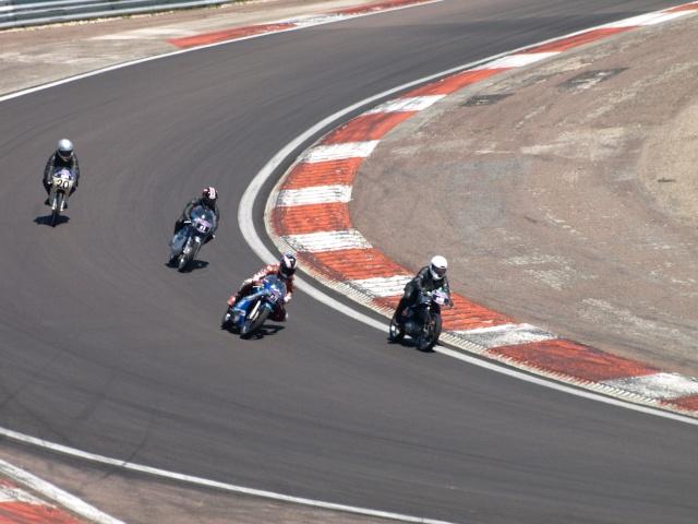 PHOTOS DES COUPES MOTO LEGENDE 2009 - Page 2 P5304010