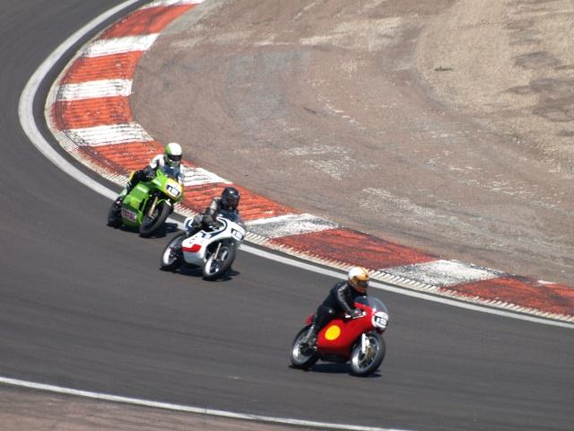 PHOTOS DES COUPES MOTO LEGENDE 2009 - Page 2 P5304011