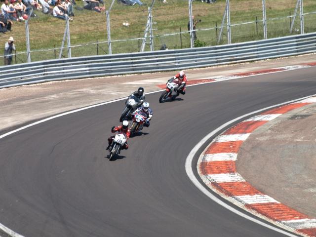 PHOTOS DES COUPES MOTO LEGENDE 2009 - Page 2 P5304013