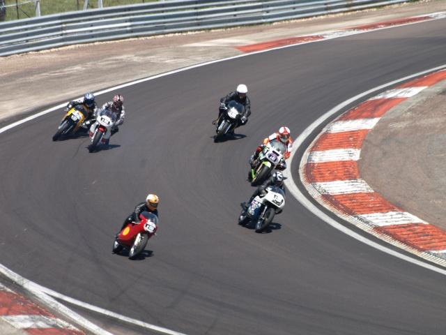 PHOTOS DES COUPES MOTO LEGENDE 2009 - Page 2 P5304015