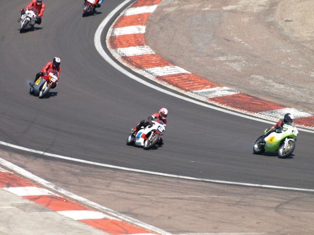 PHOTOS DES COUPES MOTO LEGENDE 2009 - Page 2 P5304016