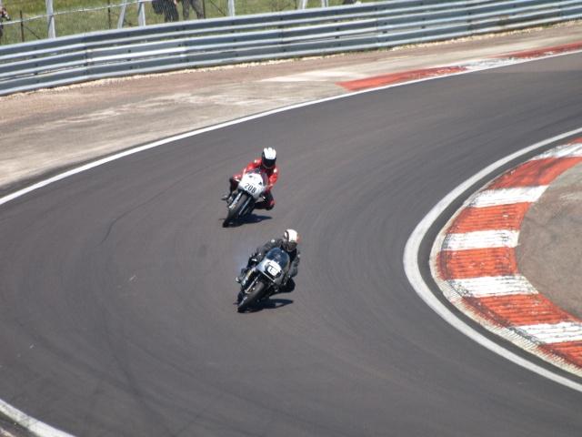 PHOTOS DES COUPES MOTO LEGENDE 2009 - Page 2 P5304017