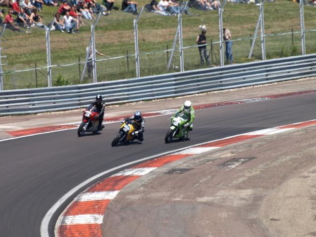 PHOTOS DES COUPES MOTO LEGENDE 2009 - Page 2 P5304018