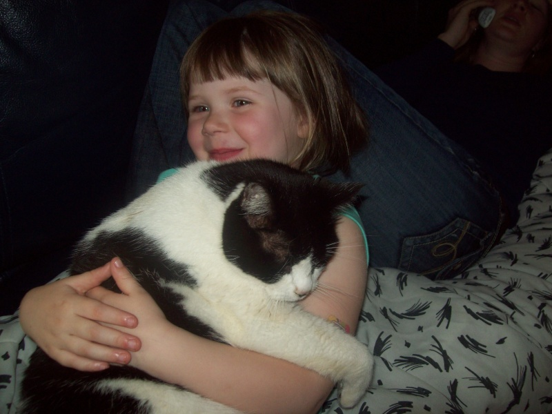 Does the Cat love the KID or vise versa ? 104_6715