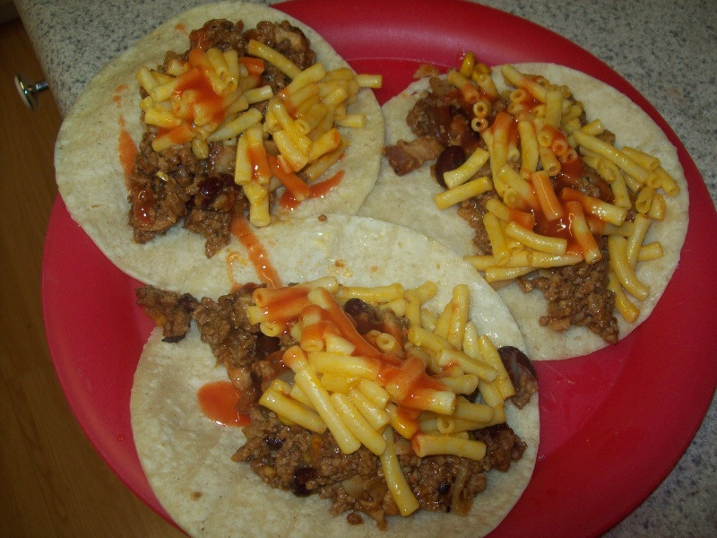 Left over night ( chicken chile mac n' cheese tacos ) 104_6719