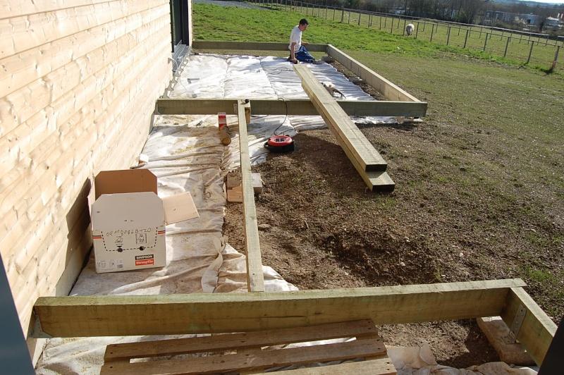fabrication d'une terrasse en bois sur piloties+ déco 06_04_10