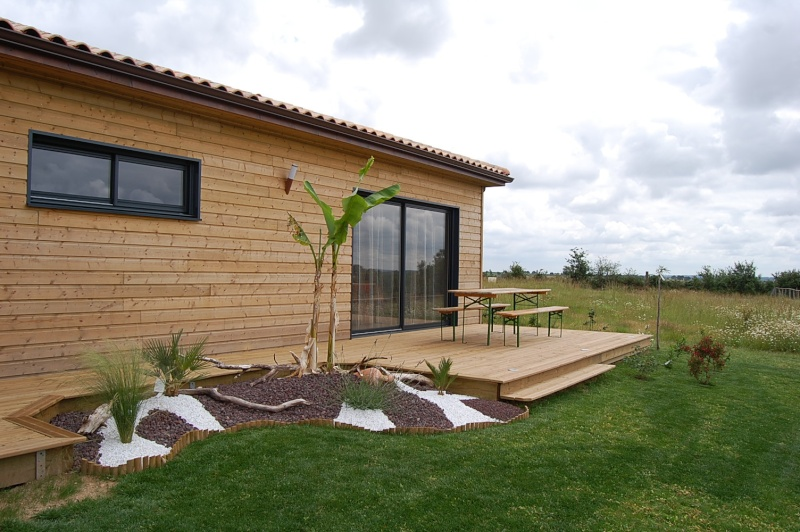 fabrication d'une terrasse en bois sur piloties+ déco 07_06_11
