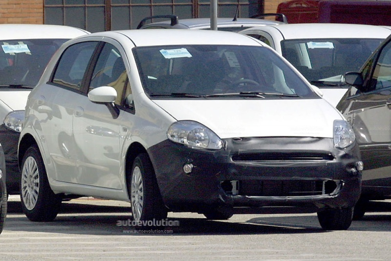 2009/12 - [Fiat] Punto Evo - Page 2 Spysho12