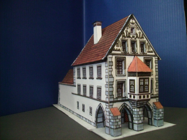 Rathaustum mit Haeuserzeile-Prag Hahol416