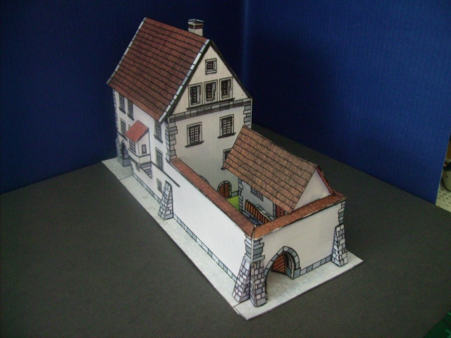Rathaustum mit Haeuserzeile-Prag Hahol417