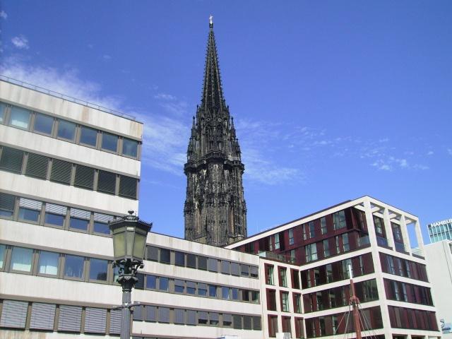 Hamburg Nikolai Turm.  Hamburg 2010. Pict8415