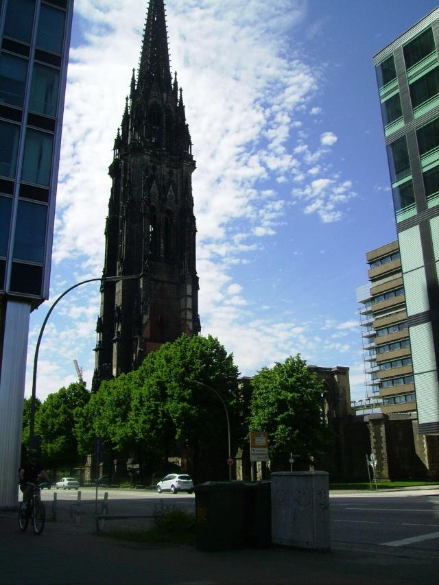 Hamburg Nikolai Turm.  Hamburg 2010. St_nik10