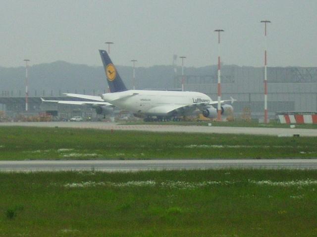 Airbus A380 wird an Lufthansa übergeben Werk_311