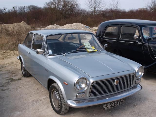 24eme Salon Champenois du Vehicule de Collection  P3122851