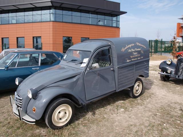 24eme Salon Champenois du Vehicule de Collection  P3122864