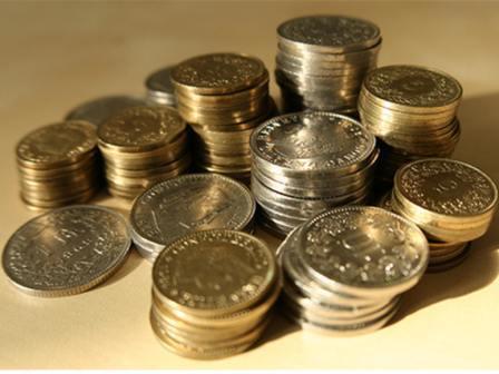 هنا 10 طرق للإدخار Money10