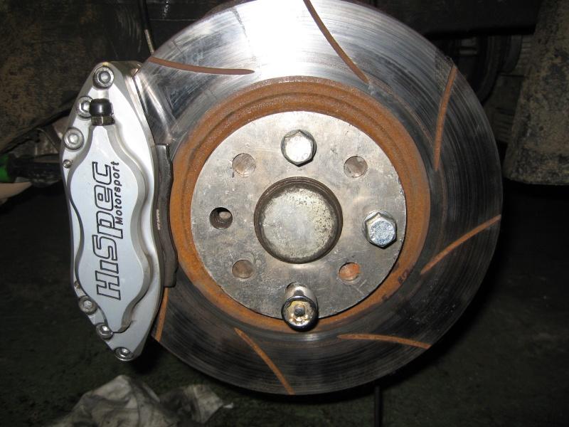 Etriers de freins avant 4 pistons Img_1711