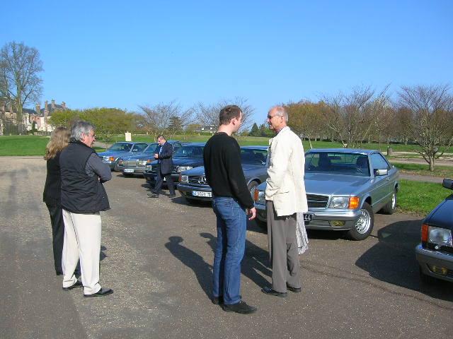 Dimanche 18 avril 2010 : Rencontre Mercedes W 126 proposée par le Club Mercedes Benz de France - Page 3 Dscn4241