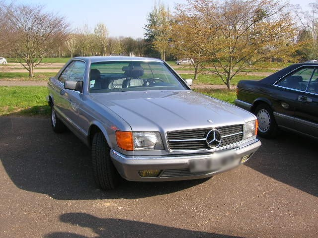 Dimanche 18 avril 2010 : Rencontre Mercedes W 126 proposée par le Club Mercedes Benz de France - Page 3 Dscn4243