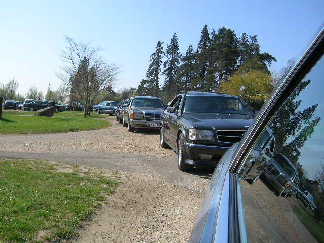 Dimanche 18 avril 2010 : Rencontre Mercedes W 126 proposée par le Club Mercedes Benz de France - Page 3 Dscn4244